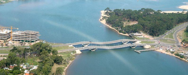Puentes ondulantes de La Barra